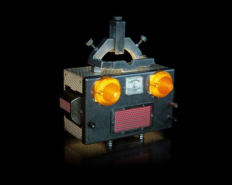 Фото: забавные роботы из промышленного мусора . Изображение № 11.