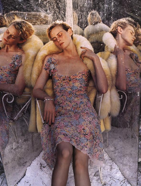 Архивная съёмка: Тим Уокер для Harper's Bazaar, 2000. Изображение № 12.