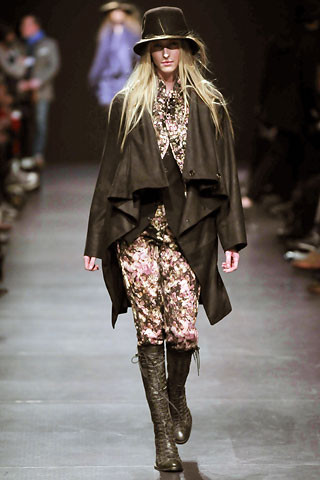 Деконструктивизм в дизайне одежды. Изображение № 3.