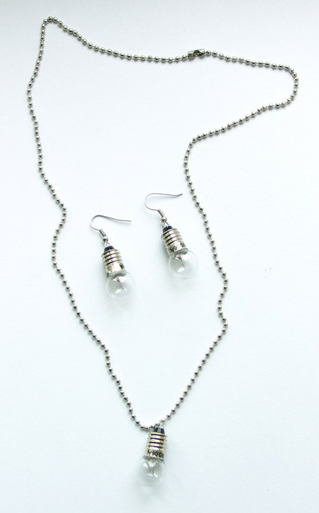 Потрясающие сережки-лампочки отTWoo. Изображение № 8.