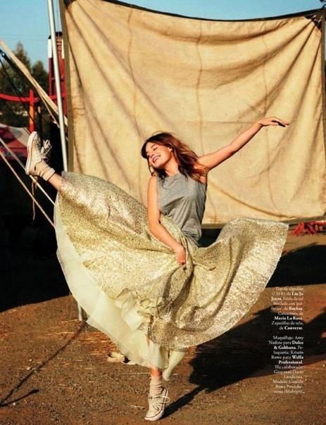 Сьемка: Камилла Роу для Elle Spain Febriary 2012. Изображение № 7.