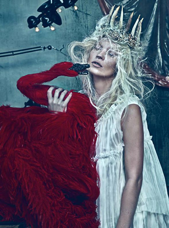 Kate Moss (КЕЙТ МОСС) для W Magazine. Изображение № 7.