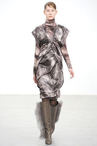 Новости моды: Выставки Chloe и Salvatore Ferragamo, Vogue в Таиланде и проект Michael Kors. Изображение № 5.