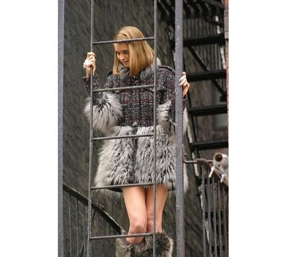 Chanel и Emporio Armani устроили публичные съемки. Изображение № 2.