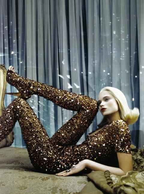 Neo-Romantic byEmma Summerton, Vogue Italia, june 2009. Изображение № 6.