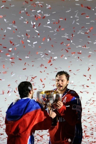 Сборная России похоккею вновь стала чемпионом мира. Изображение № 6.
