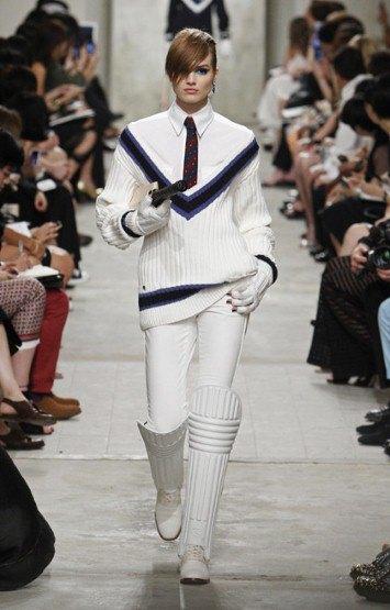 Chanel показали круизную коллекцию в Сингапуре. Изображение № 1.