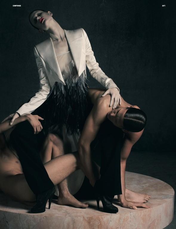 Съёмка: Рикардо Тиши для Dazed & Confused. Изображение № 8.