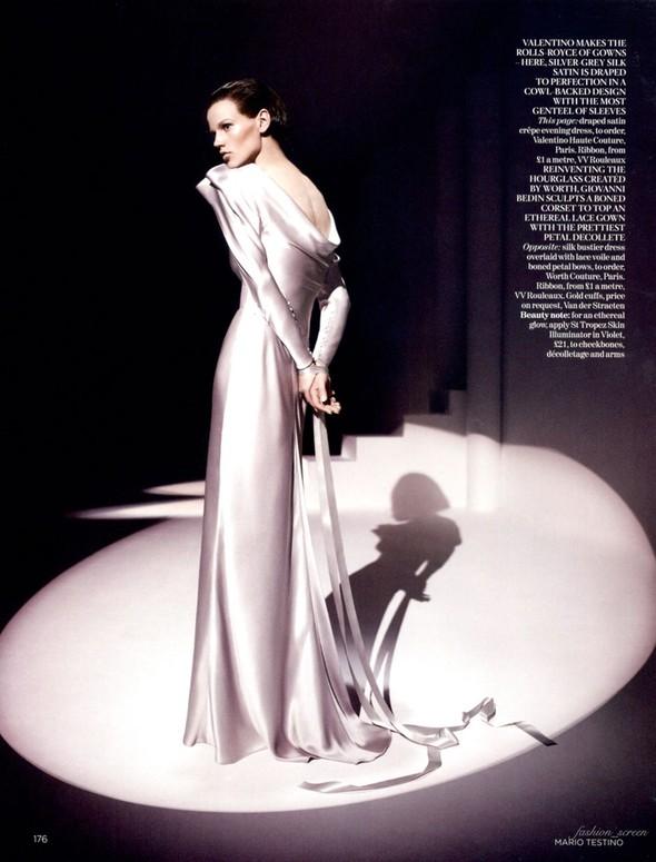 Съемка: Саския де Брау для британского Vogue. Изображение № 2.