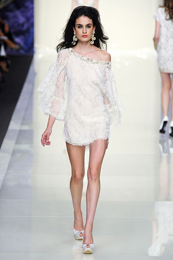ТОП 10 белых платьев 2012 в коллекциях дизайнеров сезона весна-лето. Изображение № 10.