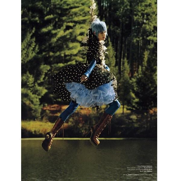 Новые съемки: Vogue, V и другие. Изображение № 10.