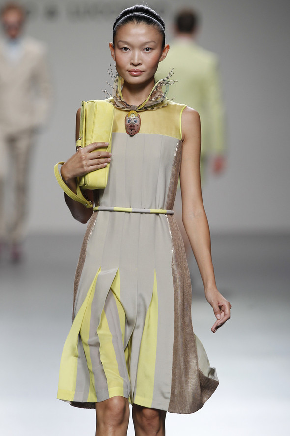Madrid Fashion Week SS 2012: Victorio & Lucchino. Изображение № 19.