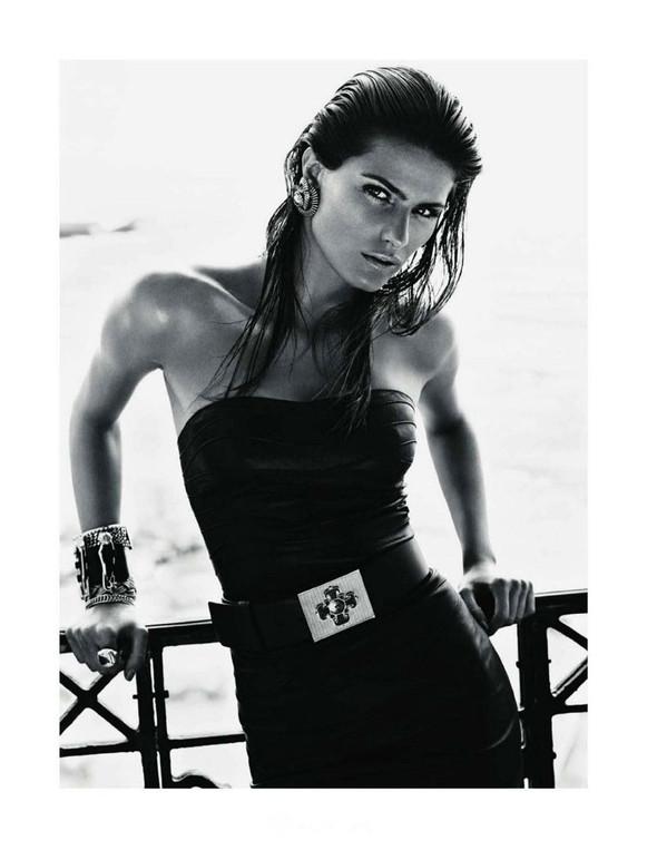 Съемка: Изабели Фонтана для Vogue Paris. Изображение № 9.