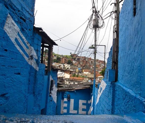 'Свет в переулках' граффити в фавелах. Изображение № 11.