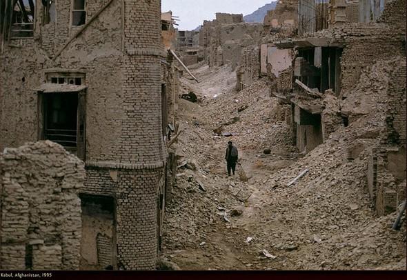 Война через объектив камеры Стива МакКарри. Изображение № 28.