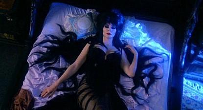 Немного оженщинах – Elvira, Mistress OfThe Dark. Изображение № 7.