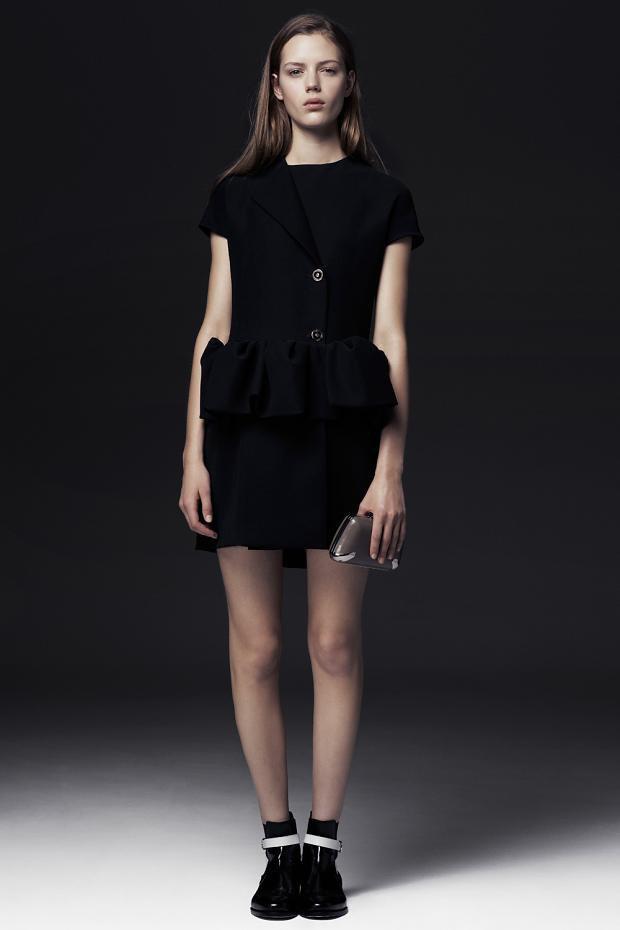 Показаны новые лукбуки Balenciaga, Chanel и Zac Posen. Изображение № 34.