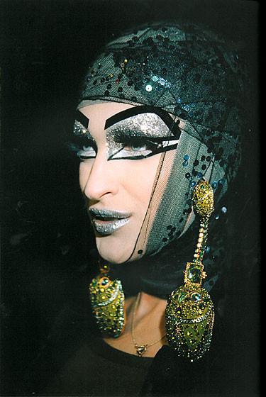 Роксанна Лоуит: за кулисами Dior. Изображение № 19.