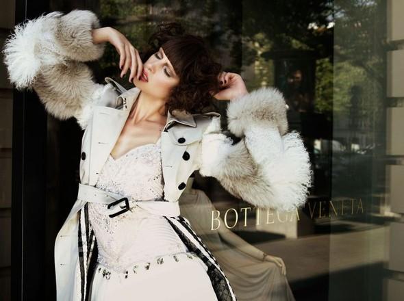 Съёмка: По магазинам с Masha Rudenko 4 Qvest Magazine Fall 2011. Изображение № 6.