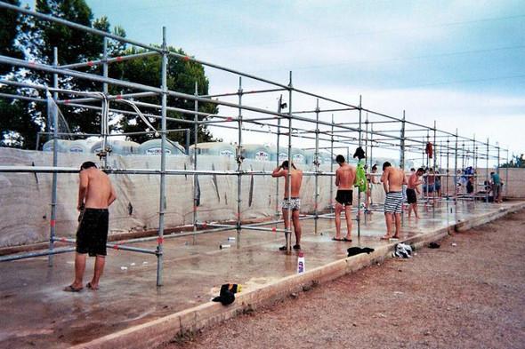 Фестиваль Benicassim в Барселоне: Ночные танцы, дни на пляже и алко-маршрут Хемингуэя. Изображение № 9.