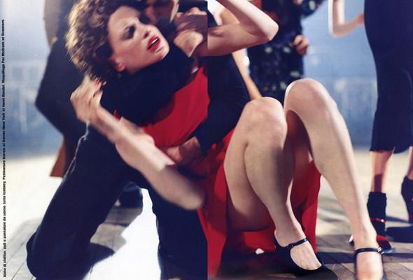 Архивная съёмка: сет Fashion Marathon из итальянского Vogue за 1997 год. Изображение № 15.