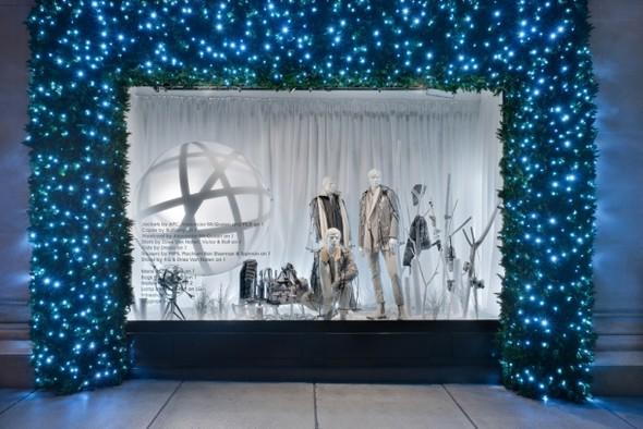 10 праздничных витрин: Робот в Agent Provocateur, цирк в Louis Vuitton и другие. Изображение № 78.