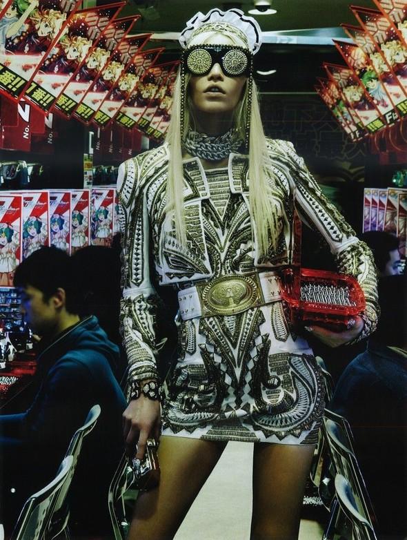 Элин Вебер The Girl Who Rocks The Planet в апрельском Vogue Япония. Изображение № 8.