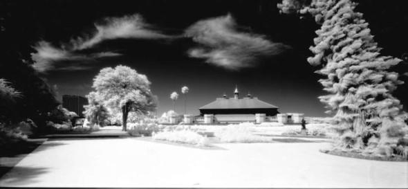 Невидимый мир на грани тепла и света. Выставка Арсена Ревазова. Изображение № 4.