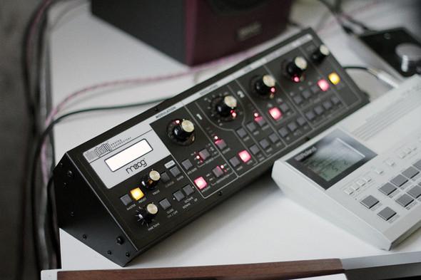 Синтезатор Moog Slim Phatty. Изображение № 19.