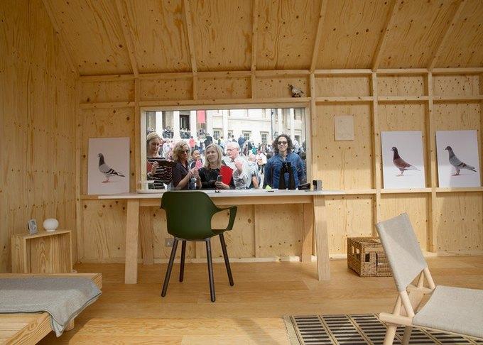 Дизайнеры создали инсталляцию для Airbnb на Трафальгарской площади. Изображение № 17.