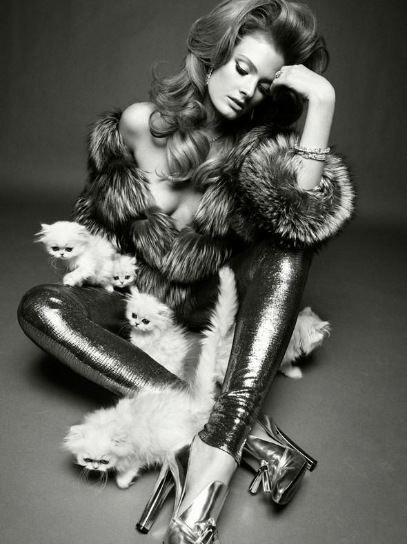 Съёмка: Констанс Яблонски для Vogue. Изображение № 2.