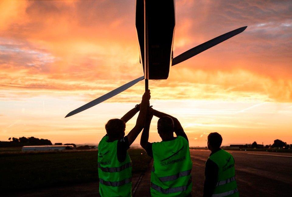 Первый самолёт  на солнечной энергии,  который долетит  на край света. Изображение № 4.