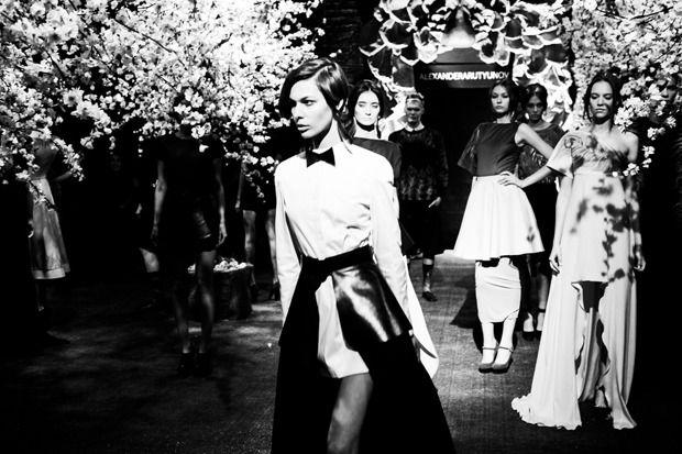 Мужские юбки и павлины: Alexander Arutyunov SS 2013. Изображение № 19.