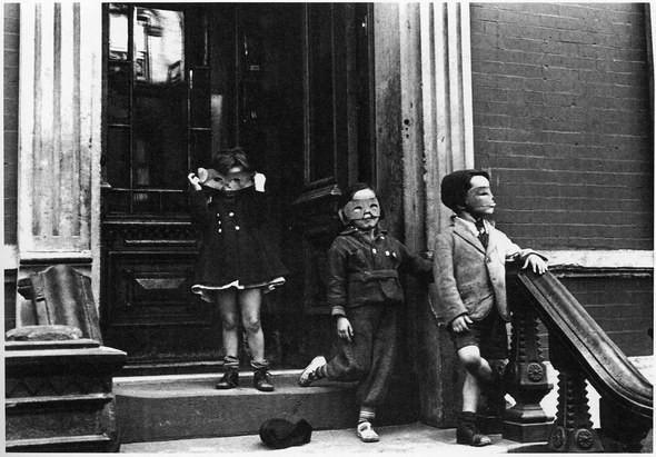 Изображение 1. Восемь фотографов сюрреалистов.. Изображение № 59.