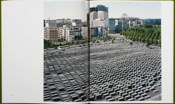 10 альбомов о современном Берлине: Бунт молодежи, панки и знаменитости. Изображение №103.