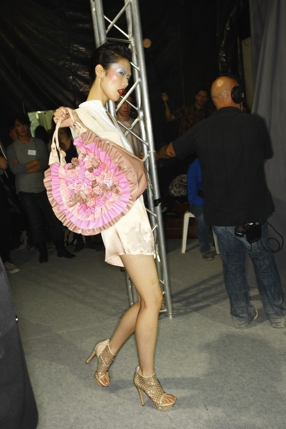 Viktor&Rolf ss2010! Brilliant backstage!. Изображение № 7.
