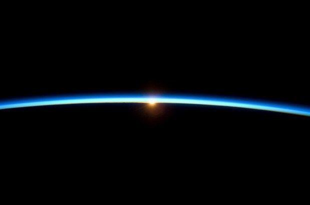 NASA представила реалистичные фото в стиле «Гравитации». Изображение № 4.