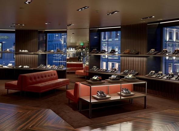 Новые магазины: Acne в Копенгагене, Dover Street Market в Токио и Prada в Москве. Изображение № 13.