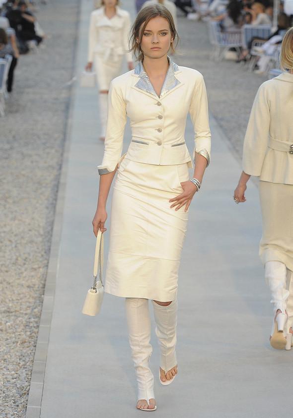 Изображение 6. Показана новая круизная коллекция Chanel.. Изображение № 6.