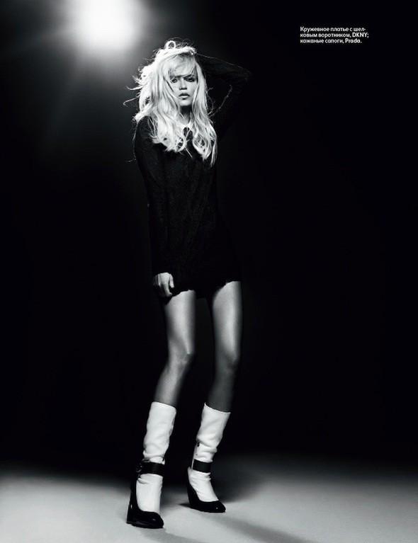 Эди Слиман снял Наташу Поли для сентябрьского номера российского Vogue. Изображение № 2.