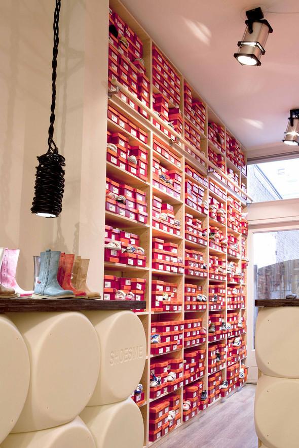 Магазин детской обуви от Тёна Флескенса. Изображение № 5.