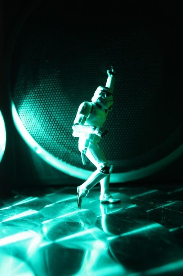 Stormtroopers dayoff. Изображение № 6.