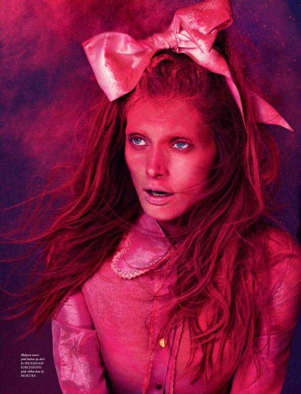 Стоп-кадр: Новые съемки Love, Russh, Vogue и V. Изображение № 14.