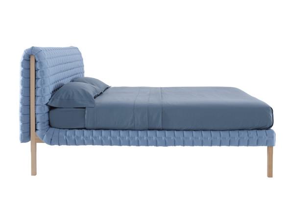 Кровать RUCHE от Inga Sempe. Изображение № 2.