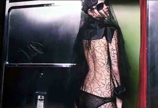 Изображение 3. Превью: кампания Chanel FW 2011.. Изображение № 3.