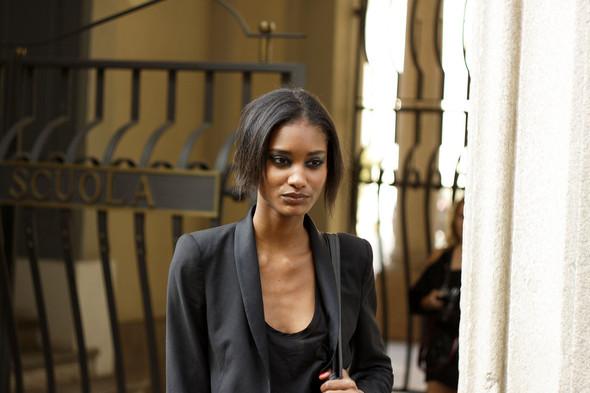 Milan Fashion Week: Модели после показов. Изображение № 10.