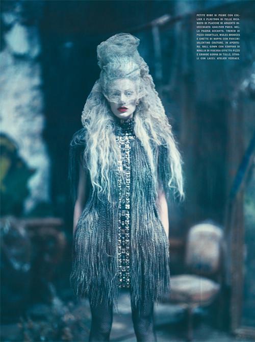 Архивная съёмка: Кристен МакМенами для Vogue Italia, сентябрь 2010. Изображение № 11.