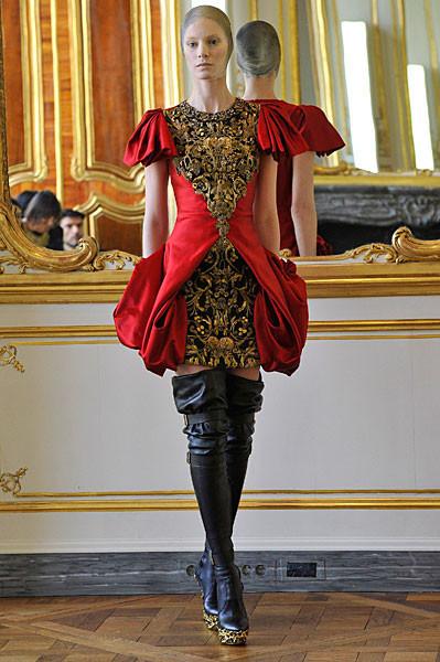 Последняя коллекция Alexander McQueen. Изображение № 4.