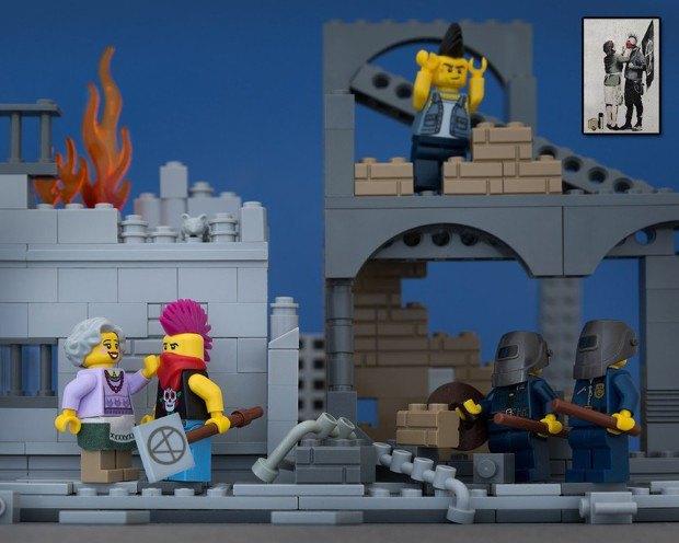 Работы Бэнкси воссоздали в конструкторе LEGO. Изображение № 12.
