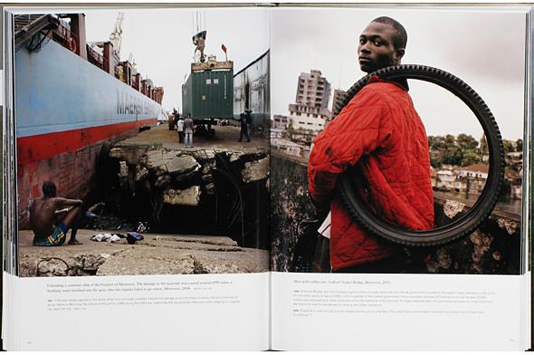 12 альбомов фотографий непривычной Африки. Изображение № 119.